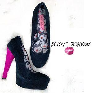 Betsey Johnson Marilyn Monroe heels black pink